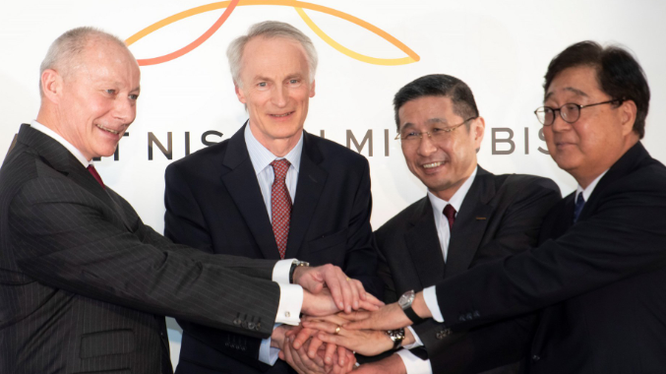 Chủ tịch Renault, ông Jean-Dominique Senard được bổ nhiệm bởi chính phủ Pháp, đang nỗ lực hàn gắn Liên minh xe hơi sau bê bối Ghosn.