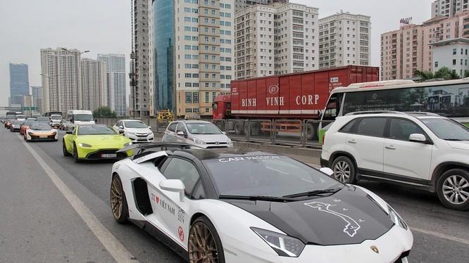 Những siêu xe trên hành trình Hà Nội - Quảng Ninh