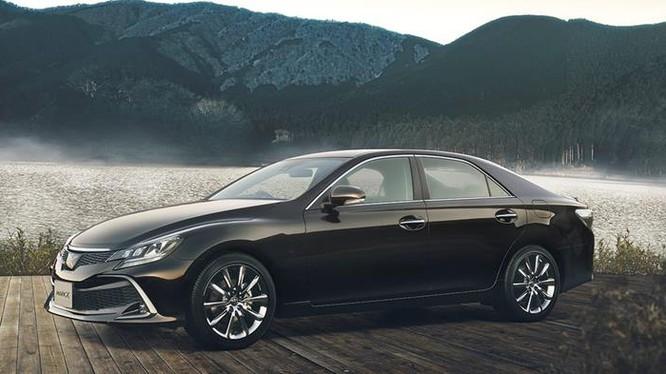 Mẫu xe Toyota sử dụng nền tảng Mazda đầu tiên sẽ là mẫu xe kế nhiệm của sedan Mark X