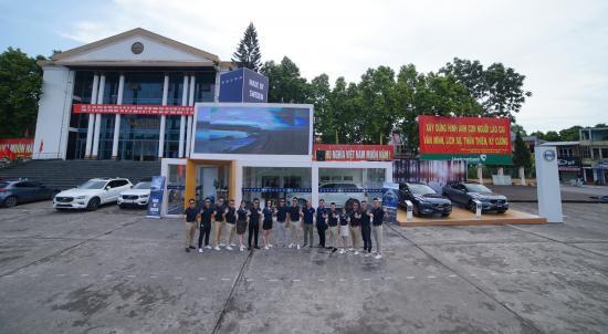 Showroom di động của Volvo tại Lào Cai