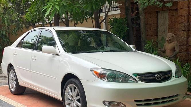 Toyota Camry 2004 giá thị trường xe cũ từ 300-450 triệu đồng. (Ảnh mang tính minh họa)