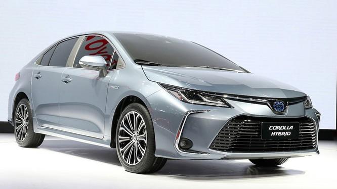 Hình ảnh của Toyota Altis thế hệ 2020 tại nước ngoài.