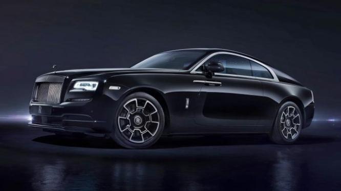 SUV siêu sang trọng Rolls Royce Cullinan Black Badge 2020 sẽ tạo ra 591 mã lực và mô-men xoắn 664 lb-ft.