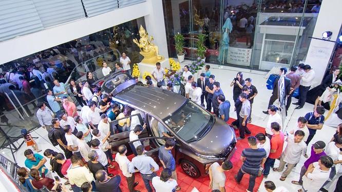 Ra mắt chưa lâu nhưng Mitsubishi Xpander đã tạo ra cơn sốt trên thị trường ô tô Việt