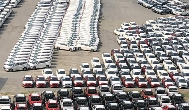 Các hàng rào kỹ thuật không còn là trở ngại đối với các dòng xe nhập khẩu, đặc biệt là có nguồn gốc từ ASEAN. Ảnh Việt Hưng