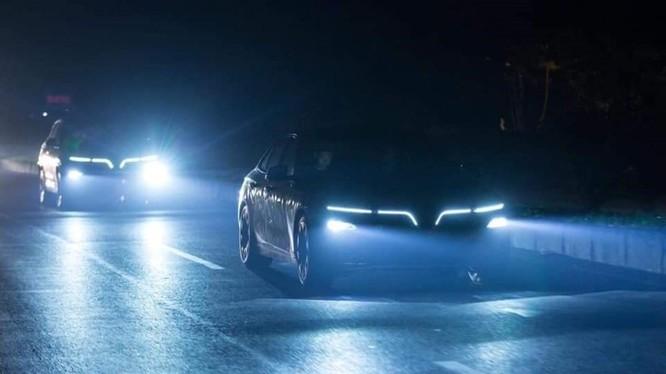 Đèn LED có nhiều ưu điểm vượt trội hơn so với đèn halogen và xenon. Ảnh BD.