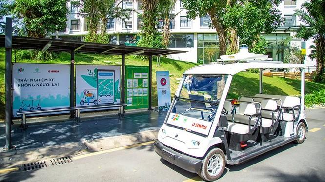 """Xe tự hành của Yamaha, FPT chạy """"nuột"""" trong khu đô thị Ecopark"""
