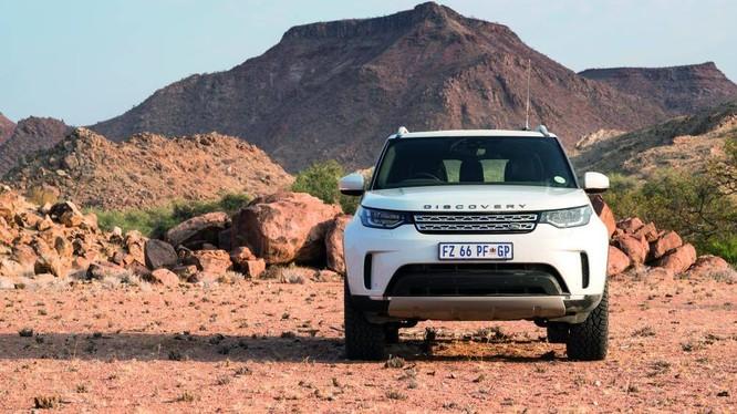 Above and Beyond Tour là tên chương trình trải nghiệm off-road được triển khai trên toàn cầu của thương hiệu Land Rover