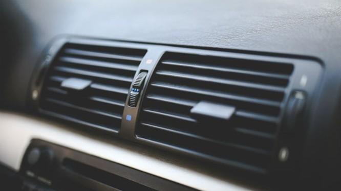 Điều hòa không khí xe ô tô đi kèm với một vài bất lợi. Ảnh: T&T.