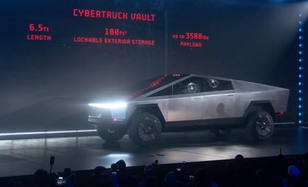 Mẫu bán tải Tesla Cybertruck tại Triển lãm xe Los Angeles