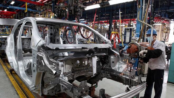 Doanh nghiệp sản xuất, lắp ráp ôtô trong nước kiến nghị giảm thuế trước sức ép về giá xe nhập khẩu
