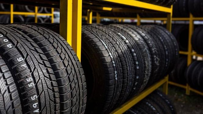 Lốp ô tô không thể có màu khác ngoài màu đen