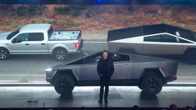 Xe bán tải Cybertruck của Tesla liệu có cạnh tranh được với Ford?