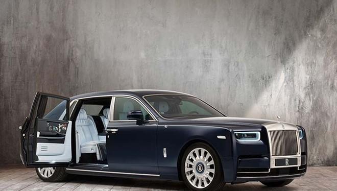 Chiếc Roll-Royce Phantom Rose được đặt hàng riêng.