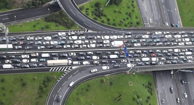 Một nút giao thông ở Anh nhìn từ trên cao