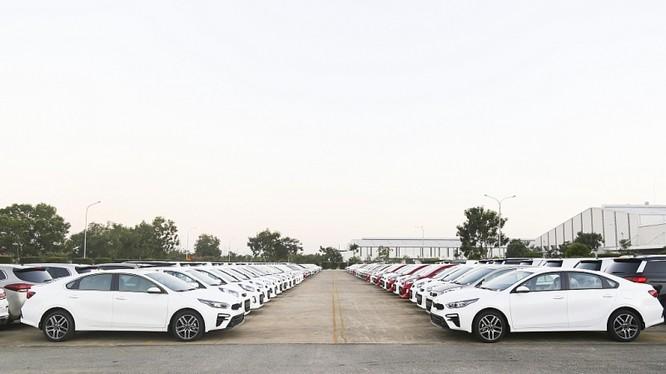 Lô xe Kia Cerato được sản xúat tại Nhà máy Thaco Kia