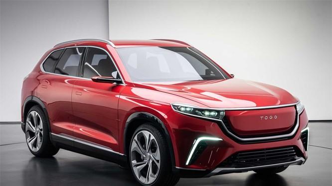 TOGG concept bản SUV với kiểu đèn pha dài và dẹt, hốc gió lớn với dải đèn LED hình boomerang. Ảnh: Motor1