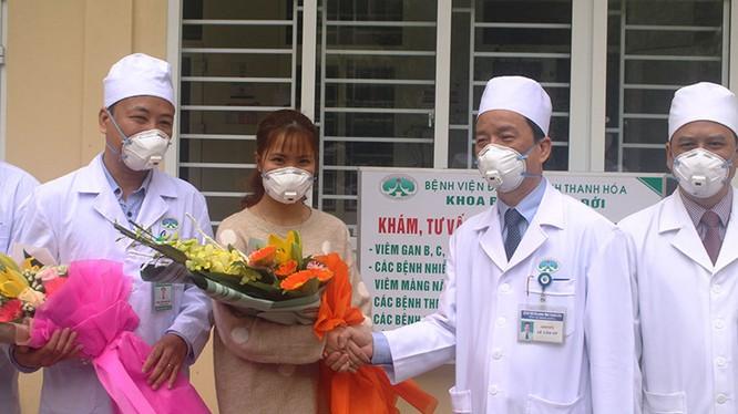 Khắp nơi ở Việt Nam đang tích cực phòng chống dịch cúm Corona. Ảnh: Báo Thanh Niên