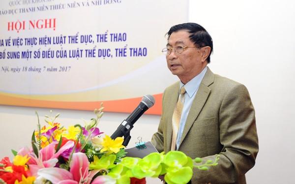 GS TS Dương Nghiệp Chí tại một hội thảo khoa học về TDTT. Ảnh ST