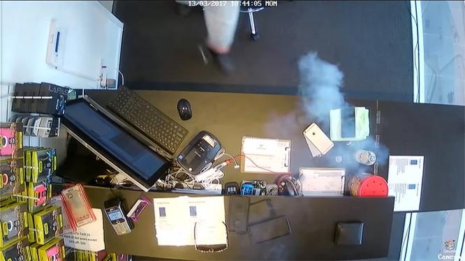Gần đây xảy ra nhiều vụ cháy nổ điện thoại iPhone