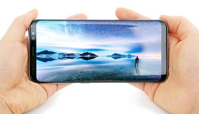 Nhu cầu màn hình OLED trên thị trường đang ở mức cao
