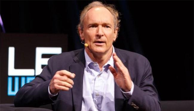 Ông Berners-Lee giành được giải thưởng nhờ phát minh ra World Wide Web