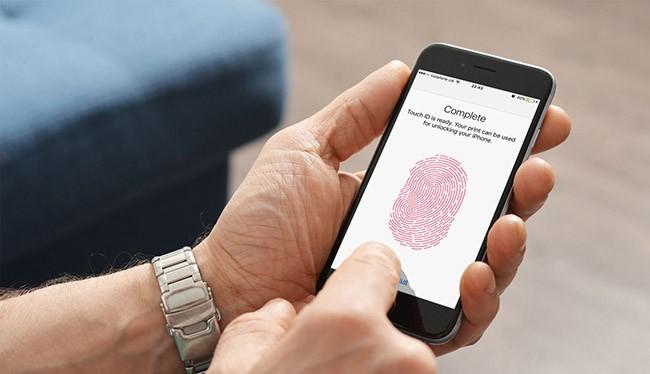 Trên lý thuyết, một dấu vân tay tổng hợp có thể mở khóa nhiều điện thoại.