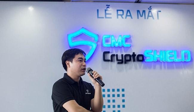 Đại diện CMC giới thiệu phần mềm chống mã độc tống tiền
