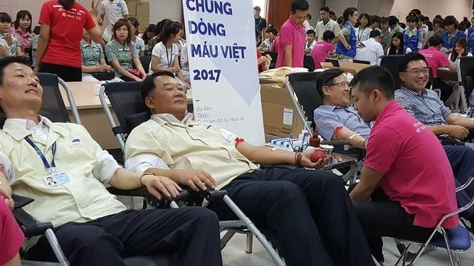 Lãnh đạo Samsung Việt Nam tham gia hiến máu tình nguyện