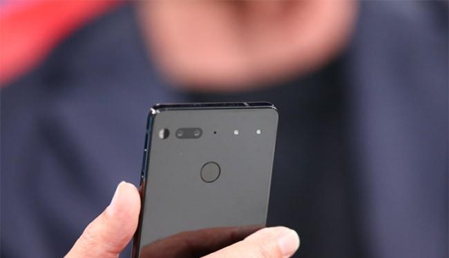 """Người sáng tạo ra Essential Phone cũng là """"cha đẻ"""" của hệ điều hành Android"""