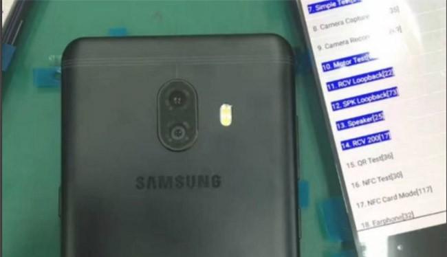 Galaxy C10 có thể là chiếc điện thoại đầu tiên mà Samsung ra mắt có máy ảnh kép