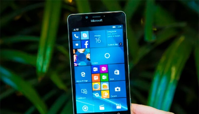 Lumia 950 (ảnh CNET)