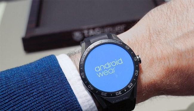 Đồng hồ thông minh chạy Android Wear (ảnh Digital Trend)