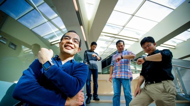 Nhóm các nhà khoa học của Microsoft đang nghiên cứu công nghệ nhận diện giọng nói (ảnh: Business Insider)