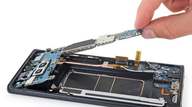 Không dễ tháo tung Galaxy Note 8 (ảnh: iFixit)
