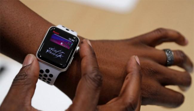 Apple Watch 3 vừa được Apple cho ra mắt cùng với bộ 3 iPhone hôm 12/9 (Business Insider)