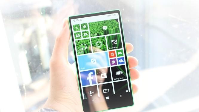 Lumia Vela với viền siêu mỏng đã bị Microsoft hủy bỏ (ảnh; Windows Central)