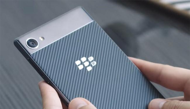 BlackBerry Motion (ảnh: YouTube)
