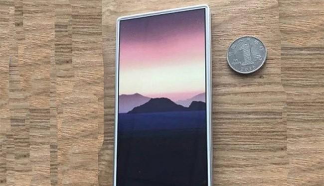 Các nhà sản xuất hoàn toàn có thể tạo ra một mẫu điện thoại không viền (ảnh: Phone Arena)