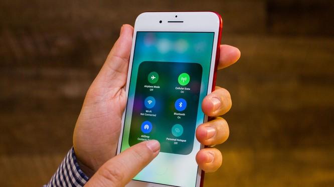 iOS 11 hiện được cài đặt trên rất nhiều thiết bị của Apple (ảnh: CNET)