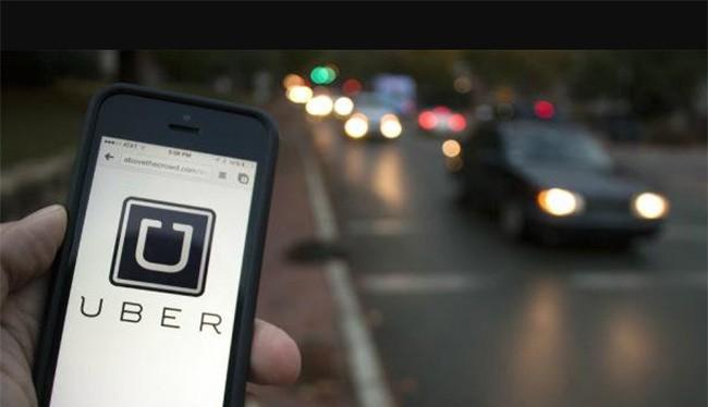 Uber vừa đưa ra nhiều chính sách bất lợi cho khách đi xe (ảnh: Twitter)