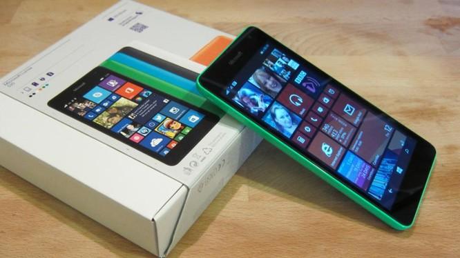 Lumia 535 (ảnh: Forbes)