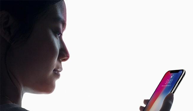 Camera TrueDepth là công nghệ nổi bật trên iPhone X (ảnh: KCBI)