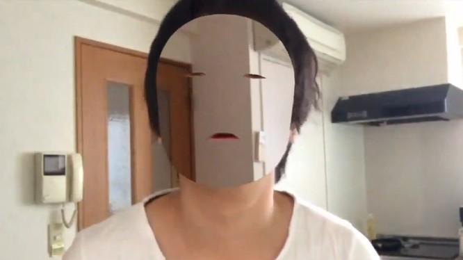 Nhà lập trình của Nhật Bản đã sử dụng iPhone X để quay video tàng hình (ảnh cắt từ clip)