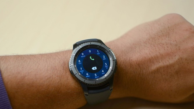 Samsung Gear S3 (ảnh Digital Trends)