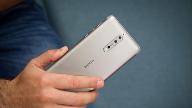Nokia 8 (ảnh Phone Arena)