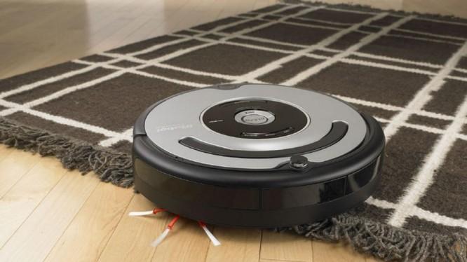 Robot hút bụi là sản phẩm thông minh đang có mặt tại nhiều gia đình ở Việt Nam (ảnh: Toronto Star)