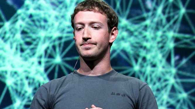 Ông Mark Zuckerberg tỏ ra hối tiếc vì không thể can thiệp vào quá trình phát triển của điện thoại thông minh (ảnh: Getty Images)
