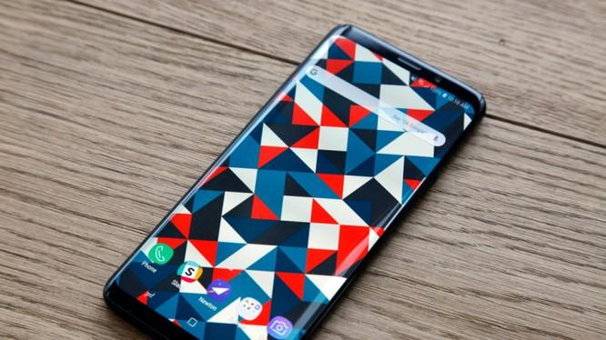 Theo tờ Chosun Economy, Galaxy S10 sẽ có cảm biến vân tay nhúng trong màn hình (ảnh: BGR)