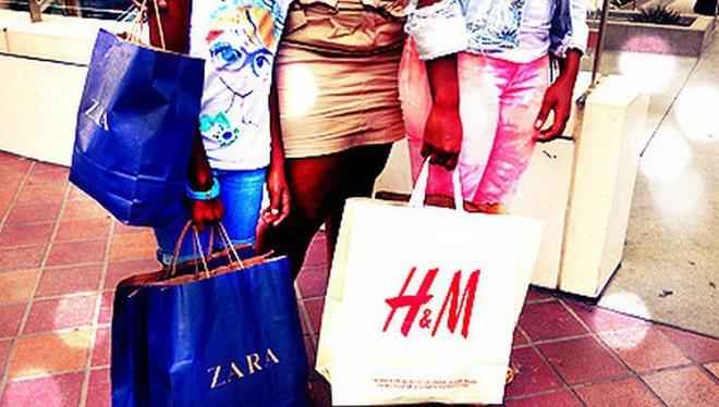 Gương thông minh giúp phụ nữ mua sắm dễ dàng hơn